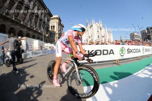 Alberto Contador in maglia rosa