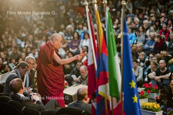 Dalai Lama al Palaghiaccio Trento